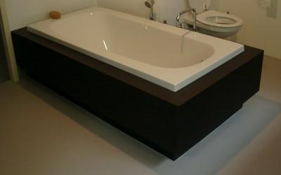 Badmeubel zwevend, materiaal: watervast MDF met HPL met echt wengé houtfineer