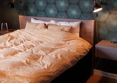 Slaapkamermeubelen, ombouw en nachtkastjes, materiaal: gemelamineerde plaat