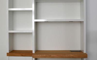 Boekenbureaukast, materiaal: hoogglans acryl plus massief eiken blad, 4 cm dik