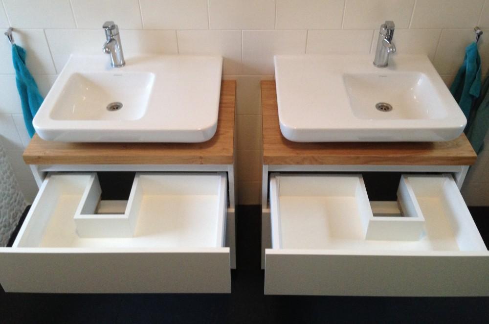Upgrade bestaand badkamermeubel, gebouwd onder bestaande wastafels met ...
