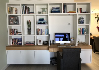 Boekenbureaukast, blad massief eiken, deuren inliggend