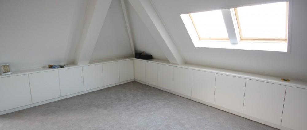 ... Met Schuine Wand Inrichten : Inrichting slaapkamer met schuine wanden