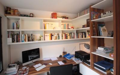 Bureau, materiaal: gemelamineerde plaat