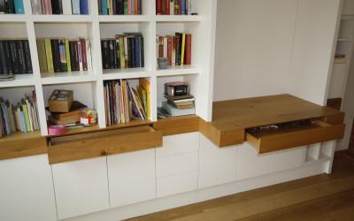Boekenbureaukast, laden geopend