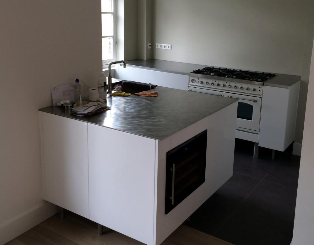 Uniek Design Keukens : Moderne keuken, blad richtingloos geborsteld ...
