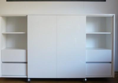 Audio-meubel verrijdbaar, schuifroldeuren en laden hoogglans gespoten