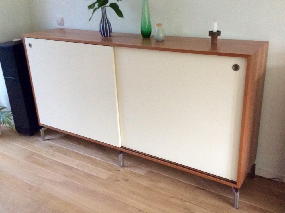 Gesloten Tv Kast : Audio meubelen diks design