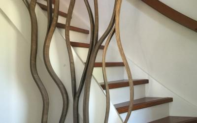 Trakhek in de vorm van boomtakken, materiaal: handgebogen multiplex, kleur gebeitst