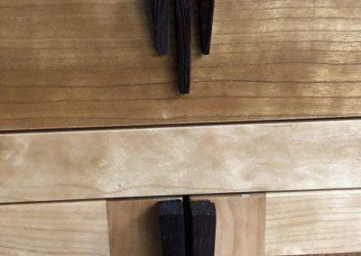 Dressoir, massief kersen met wenge, ontwerp StijlAPART, detail handgreep