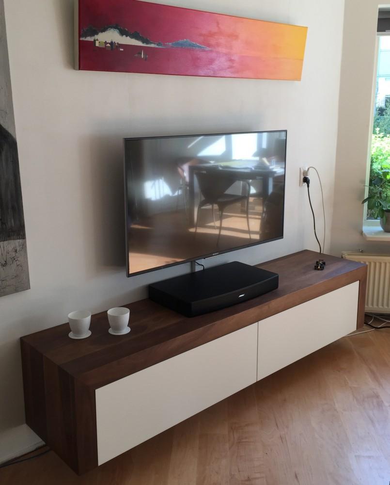 Massief Noten Tv Meubel.Dressoirs Diks Design