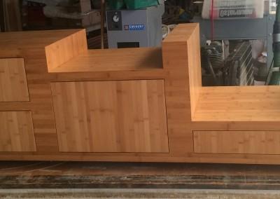 Audio-meubel, materiaal: bamboe plainpressed, gekarameliseerd, meubel staat op deze foto nog in werkplaats
